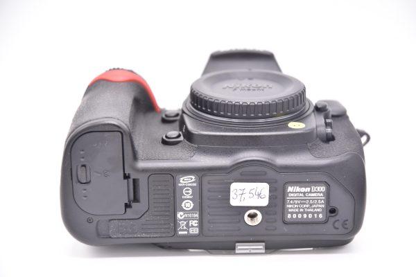 d300-8009016 - DSC_0018-min