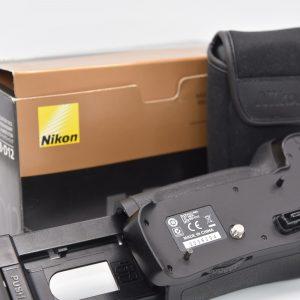 NikonMB-D12BatteryPackforD800D800ED810 - DSC_0001-min