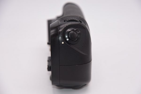 NikonMB-D12BatteryPackforD800D800ED810 - DSC_0004-min