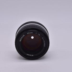 50mm-1.8-21-12 - DSC_0025-min