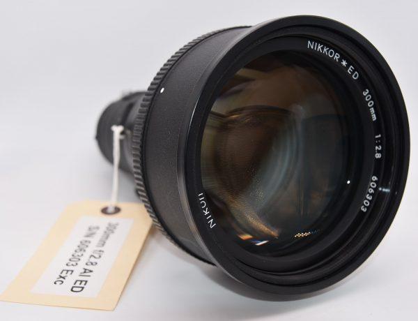 Nikkor-ED-300mm-606303 - DSC_0008-min