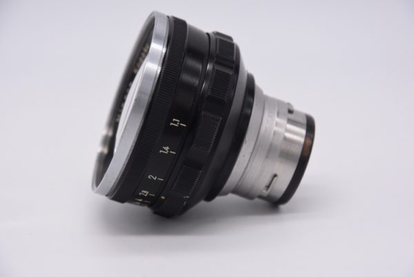 Secondhand-rangefinder-lenses - 5cm-f1.1-internal-side