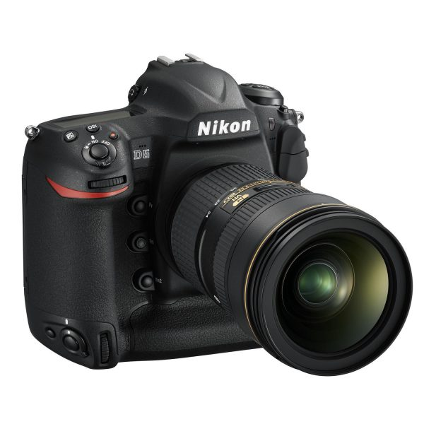 nikon-d5 - D5_24_70VR_front34r.jpg