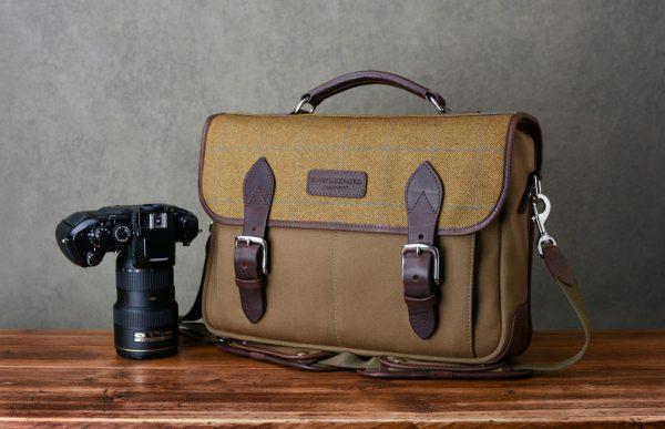 Jermyn - Hawkesmill-Jermyn-Street-Camera-Messenger-Backpack-Front-Nikon-F4-min