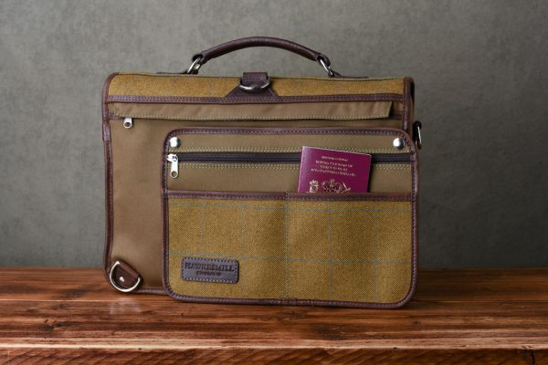 Jermyn - Hawkesmill-Jermyn-Street-Camera-Messenger-Backpack-Rear-Sleeve-min