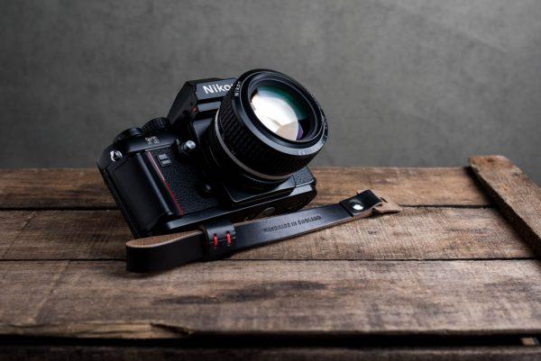 oxford-black-riveted - Hawkesmill-Oxford-Black-Leather-Camera-Strap-Nikon-F3-2