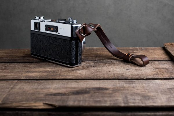 oxford-brown-riveted - Hawkesmill-Oxford-Brown-Leather-Camera-Strap-Nikon-Yashica-Electro-5